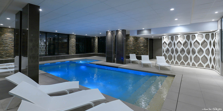 une piscine de r ve sign e helenis pour elle jean luc. Black Bedroom Furniture Sets. Home Design Ideas